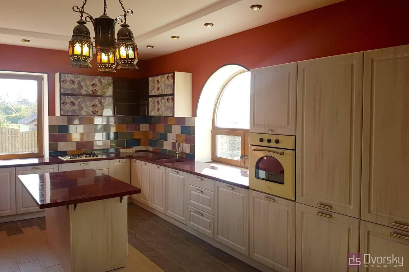 П - образні кухні Кухня в гранатових кольорах - Фото № 2