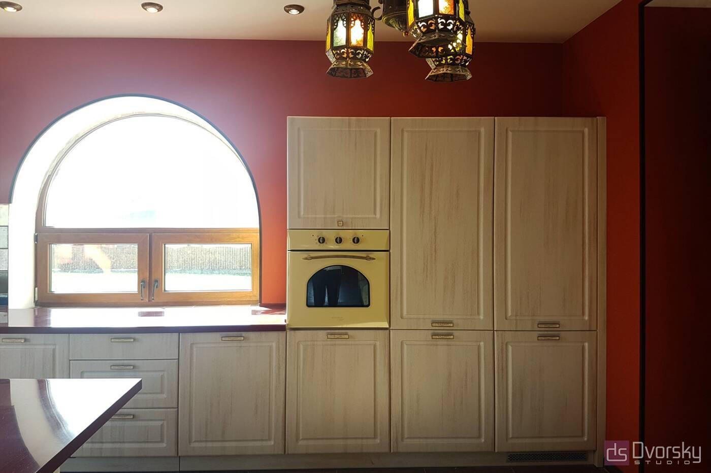 П - образні кухні Кухня в гранатових кольорах - Фото № 5