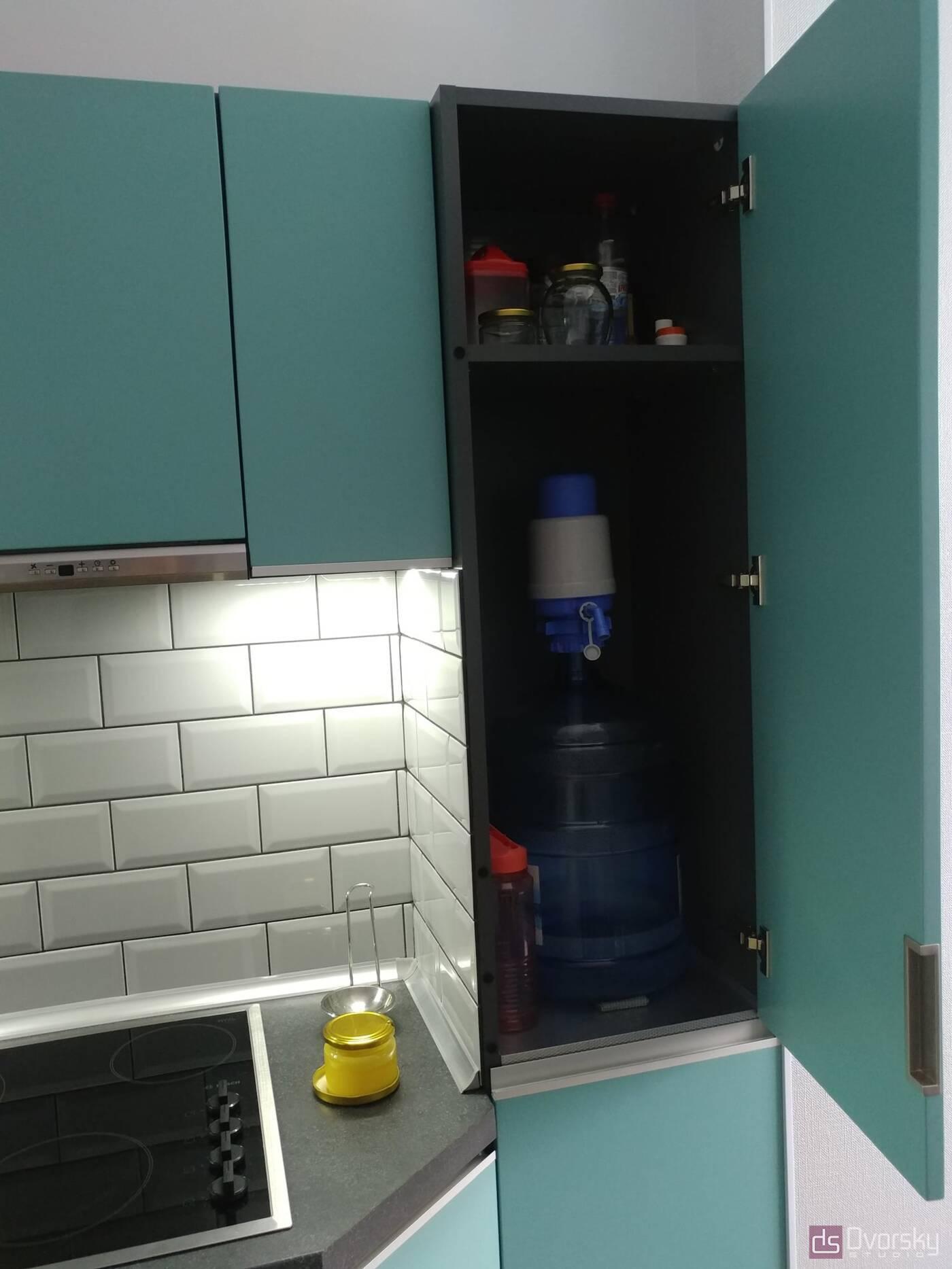 Угловые кухни Кухня с фасадами цвета Тифани - Фото № 6