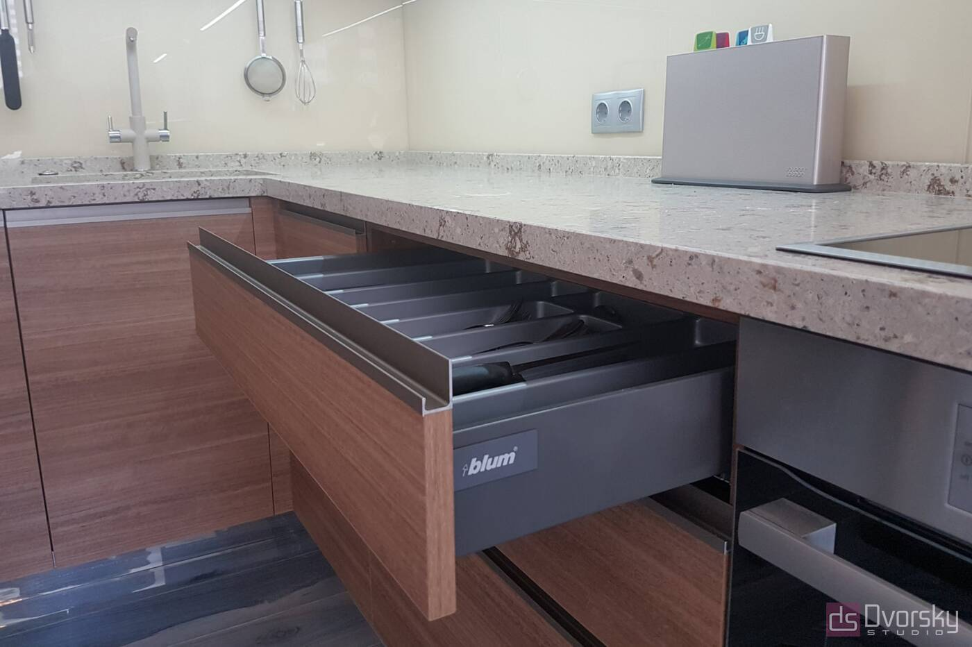 Угловые кухни Комбинированная кухня - Фото № 6