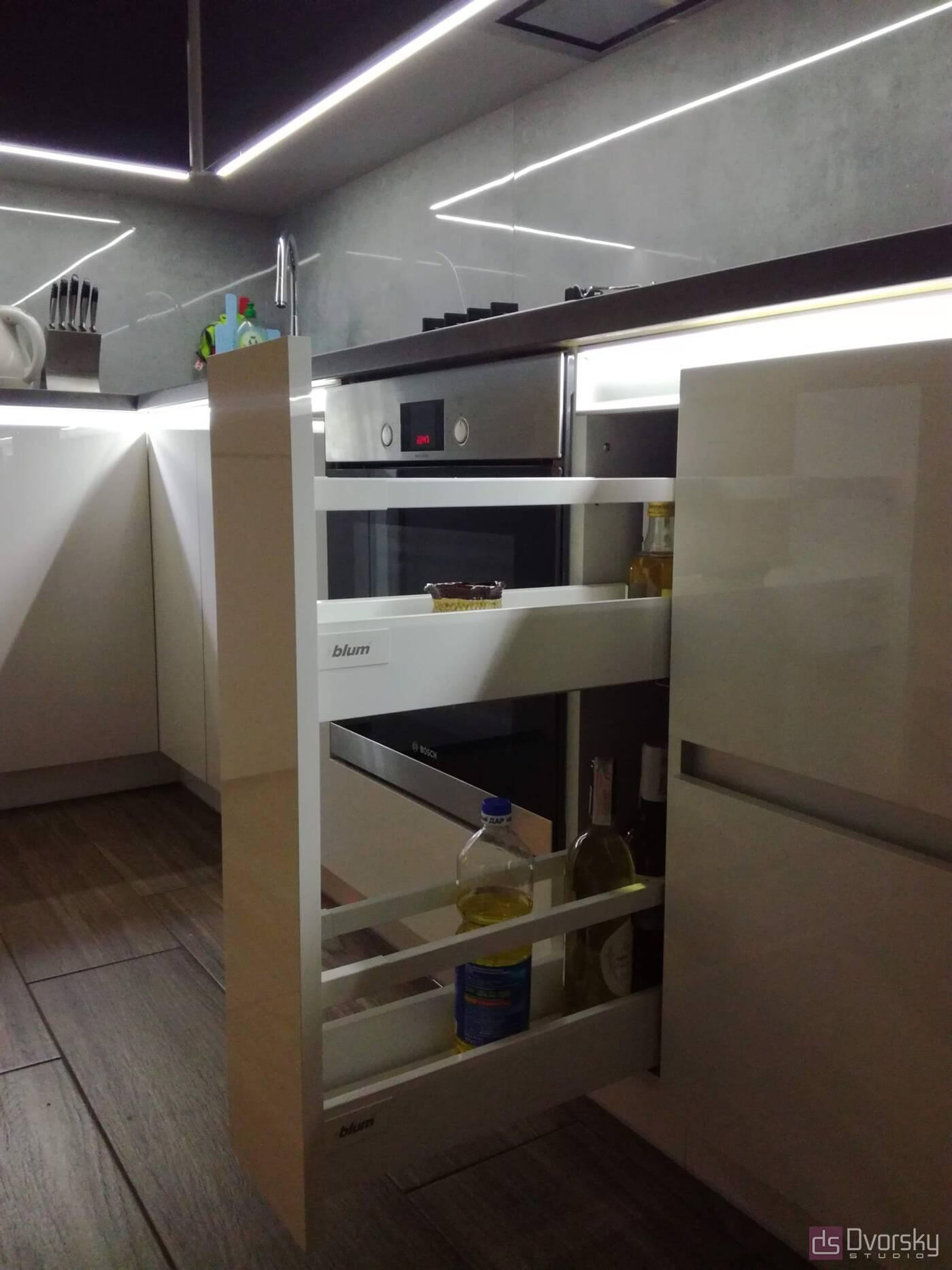Угловые кухни Кухня с подсветкой - Фото № 4
