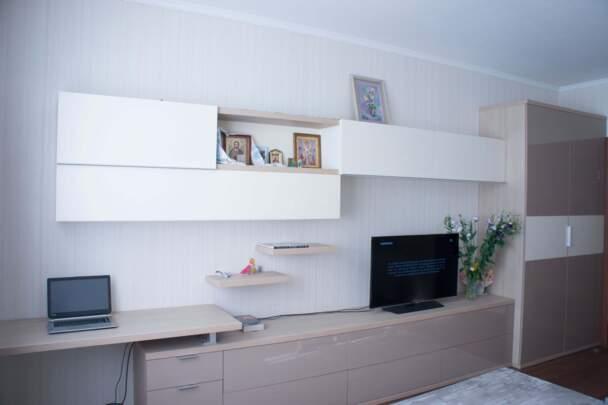 Меблева стінка для вітальні