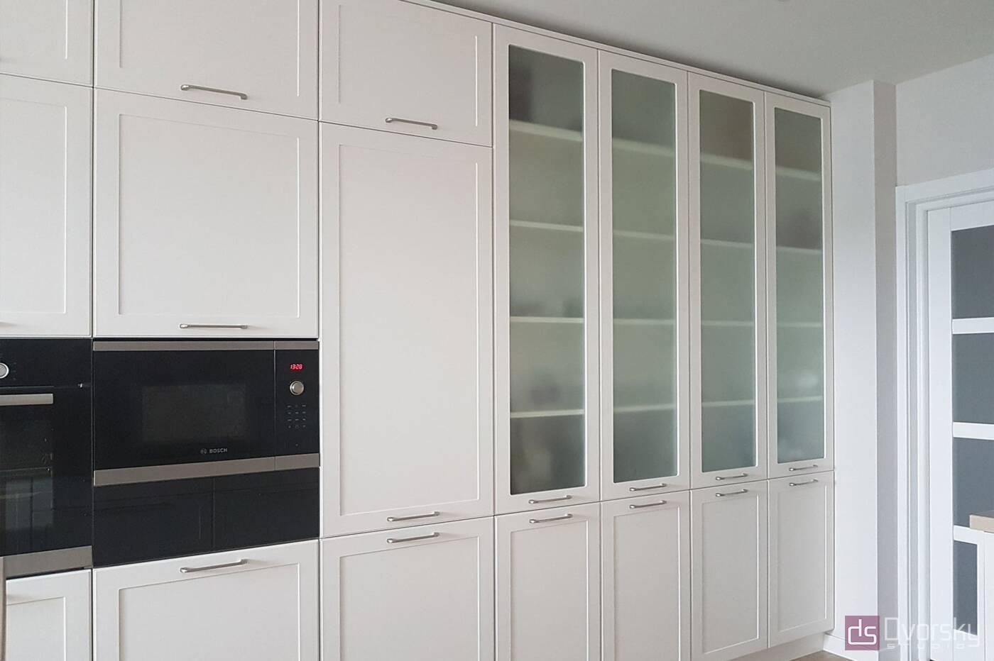 П - образні кухні Кухня в кремових тонах - Фото № 4