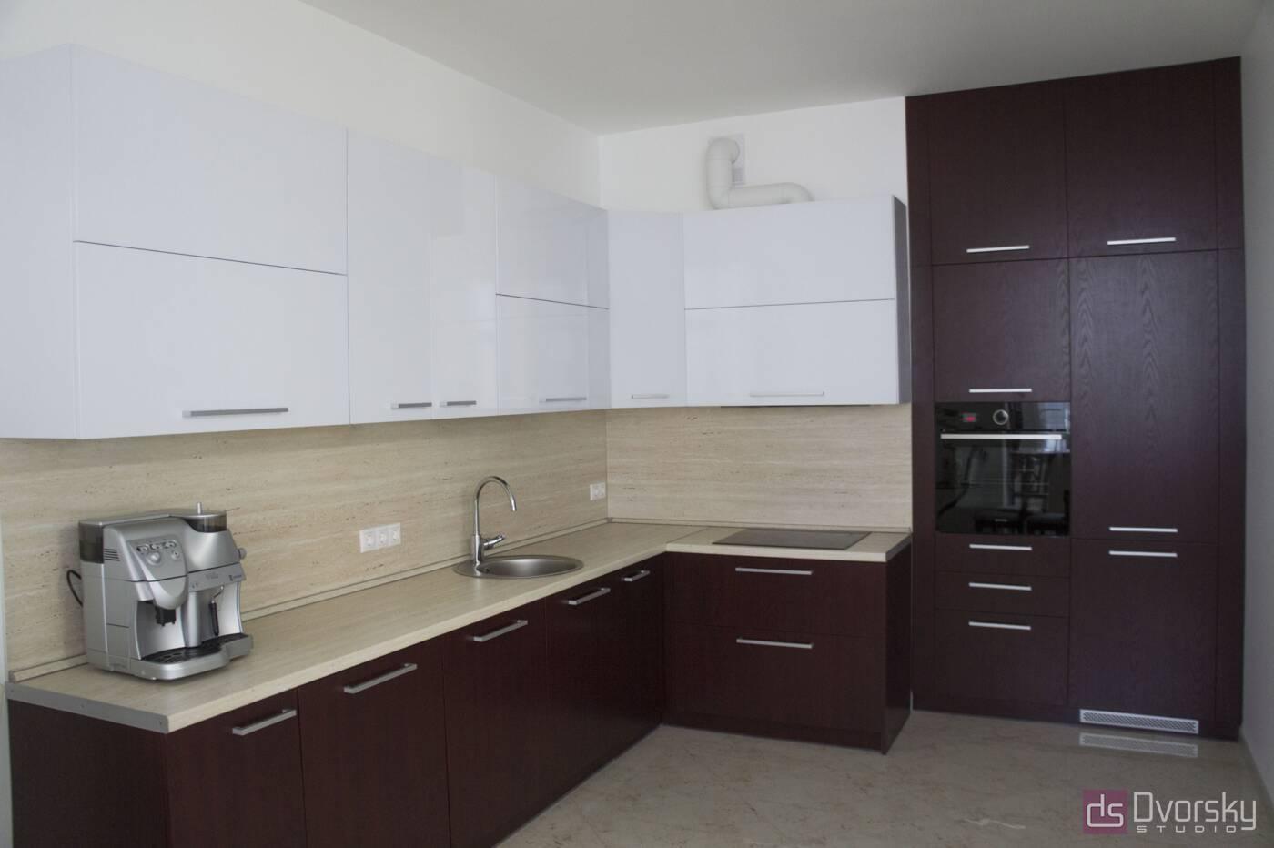 Угловые кухни Кухня вишневого цвета - Фото № 1