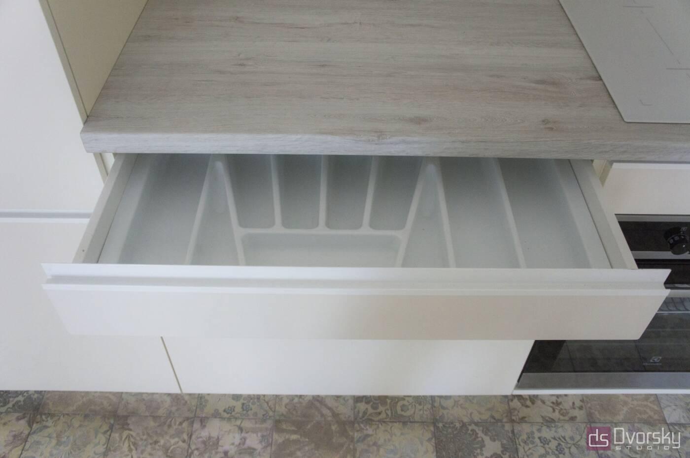 Угловые кухни Кухня в стиле Минимализм - Фото № 4