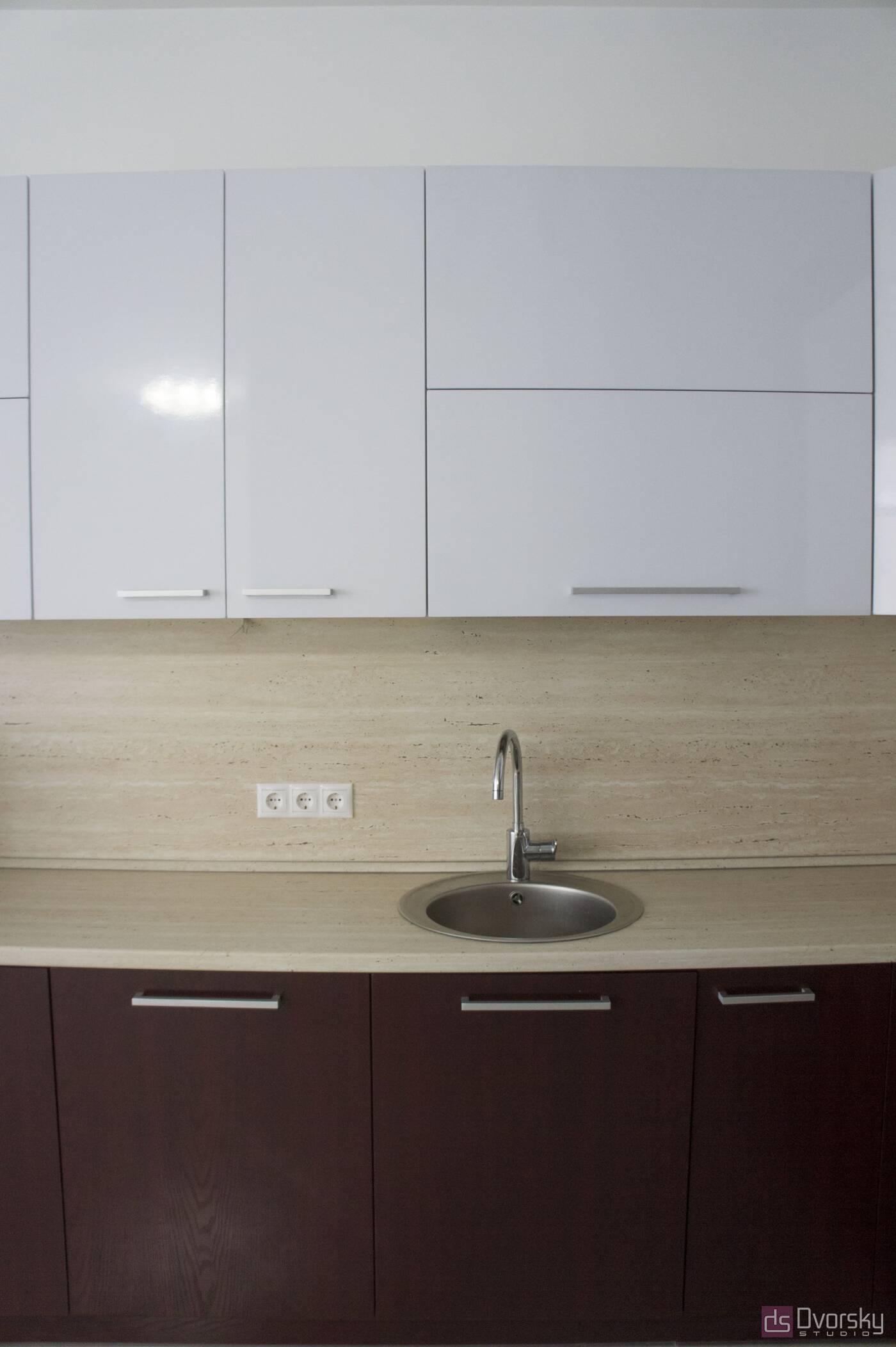 Угловые кухни Кухня вишневого цвета - Фото № 3