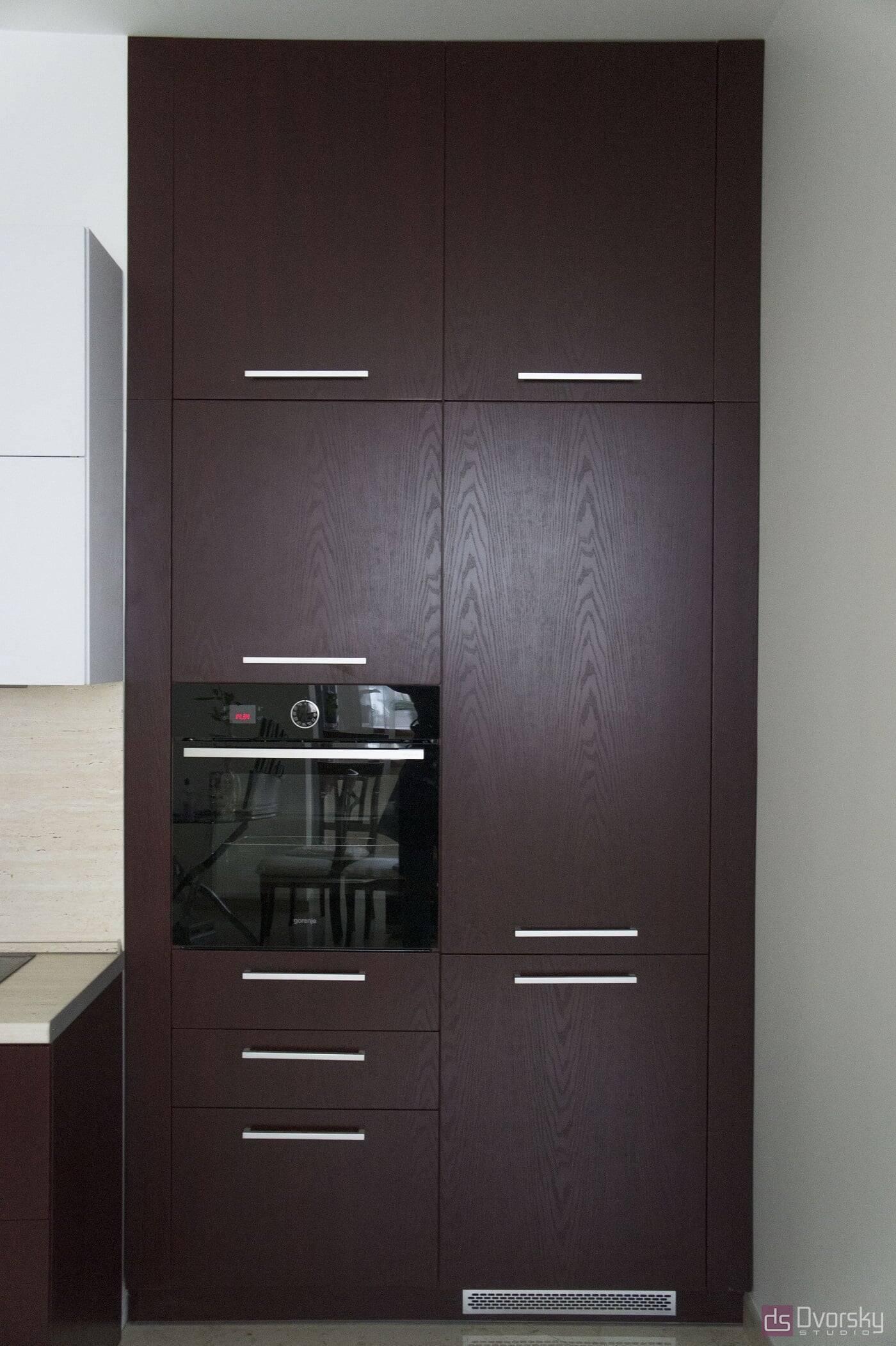 Угловые кухни Кухня вишневого цвета - Фото № 5