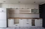 Прямые кухни Белая кухня с фрезеровкой - Фото № 2