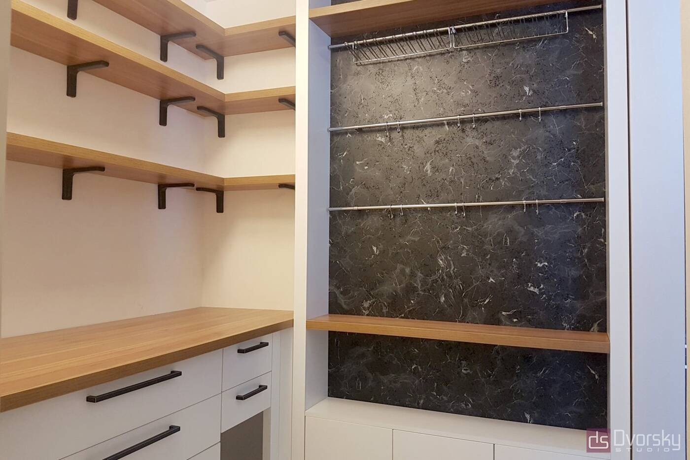 П - образные кухни Кухня для запасов - Фото № 1