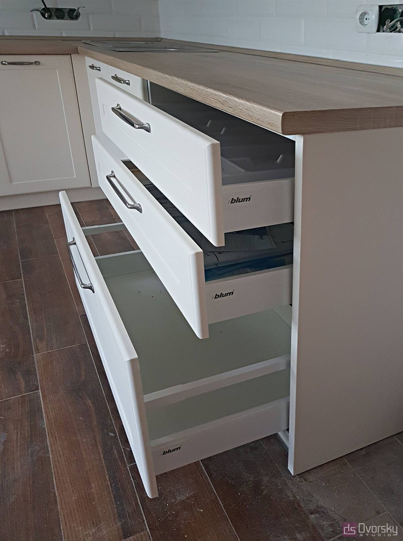 Угловые кухни Светло-бежевая кухня - Фото № 2