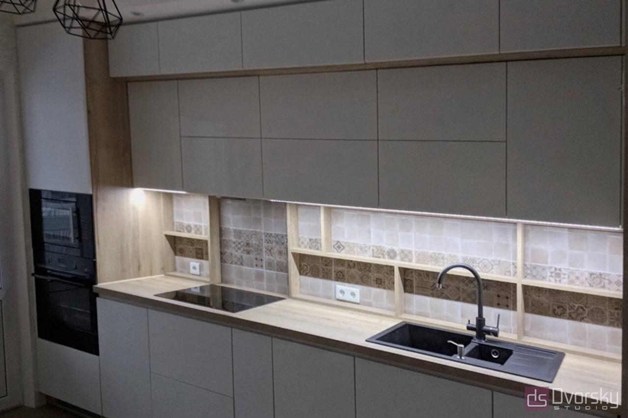 Прямые кухни Кухня с полками на фартуке - Фото № 2