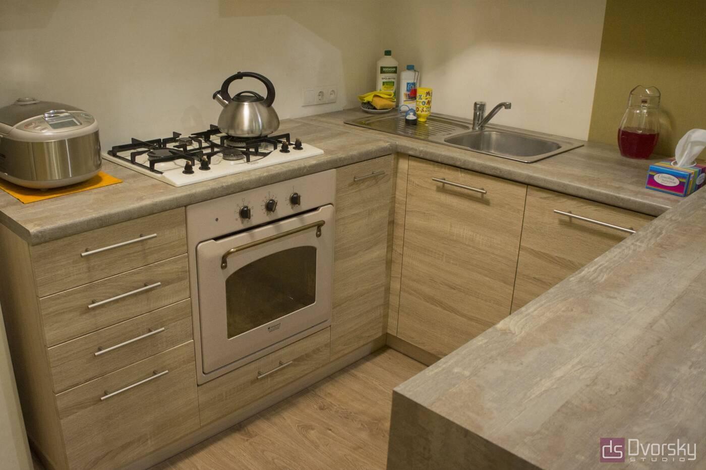 П - образные кухни Кухня с барной стойкой - Фото № 3