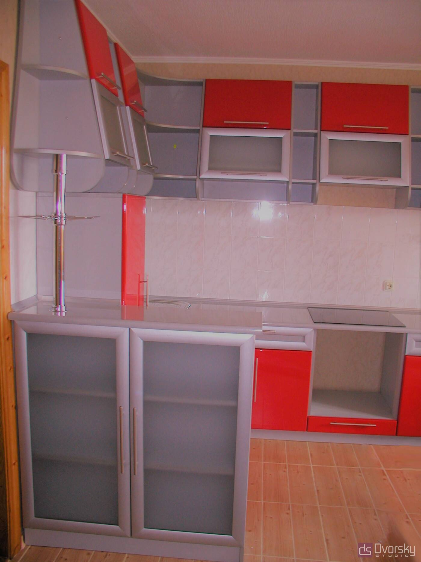 Угловые кухни Кухня со скошенными фасадами - Фото № 2