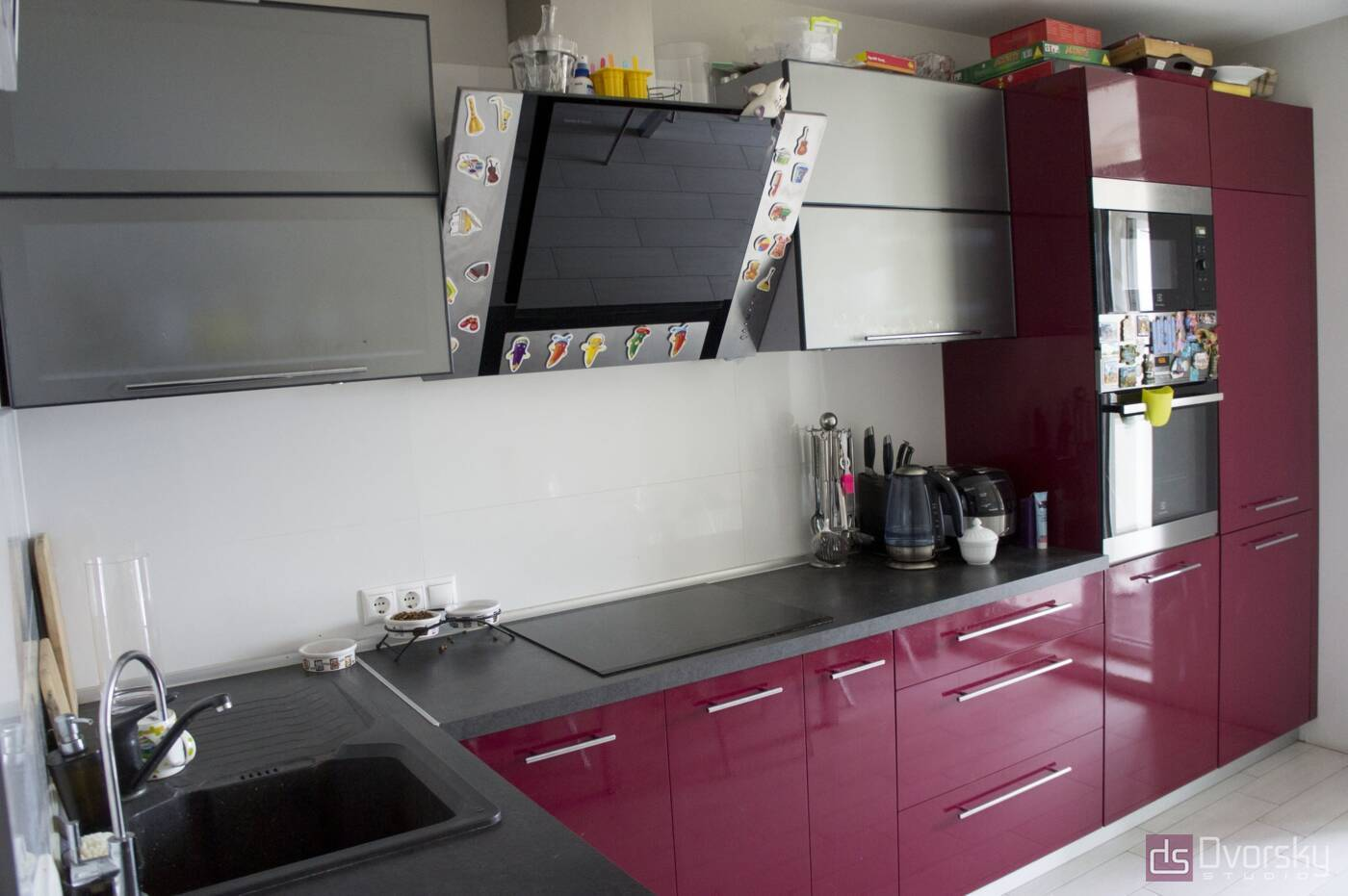 Кутові кухні Кухня в стилі Хай-Тек - Фото № 2