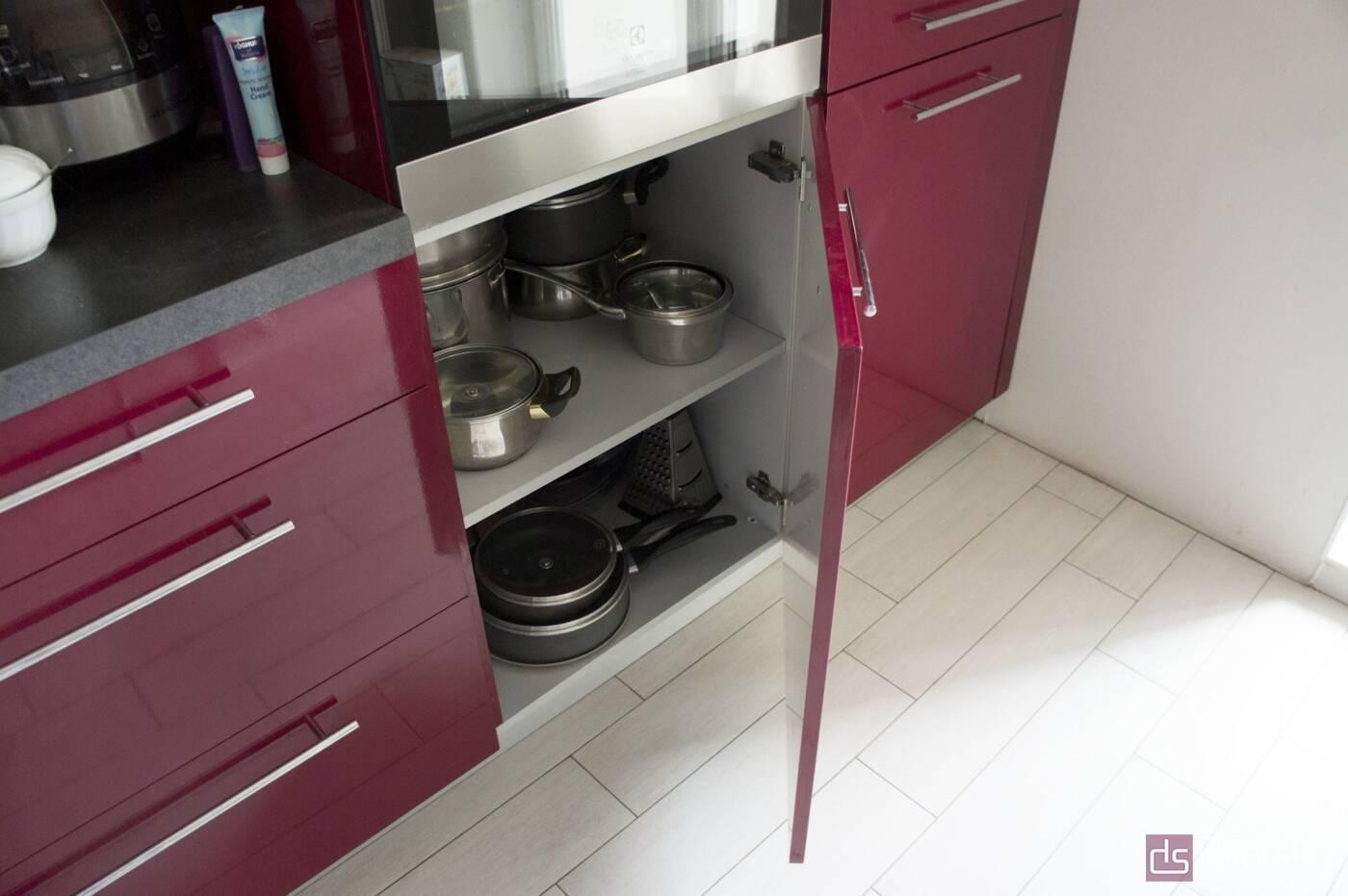Кутові кухні Кухня в стилі Хай-Тек - Фото № 3