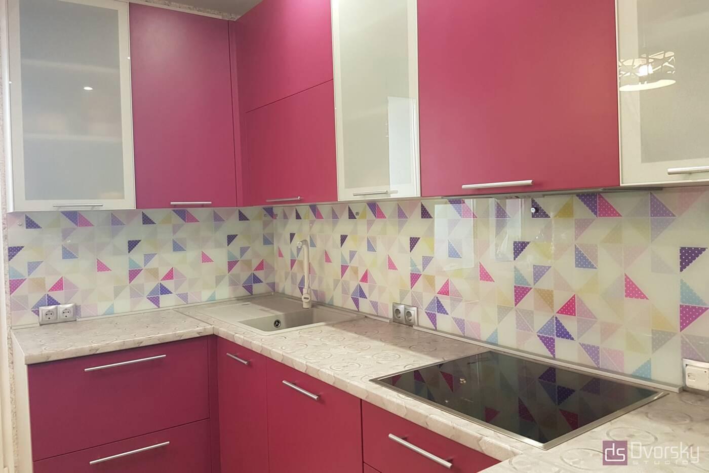 П - образні кухні Кухня малинова - Фото № 1
