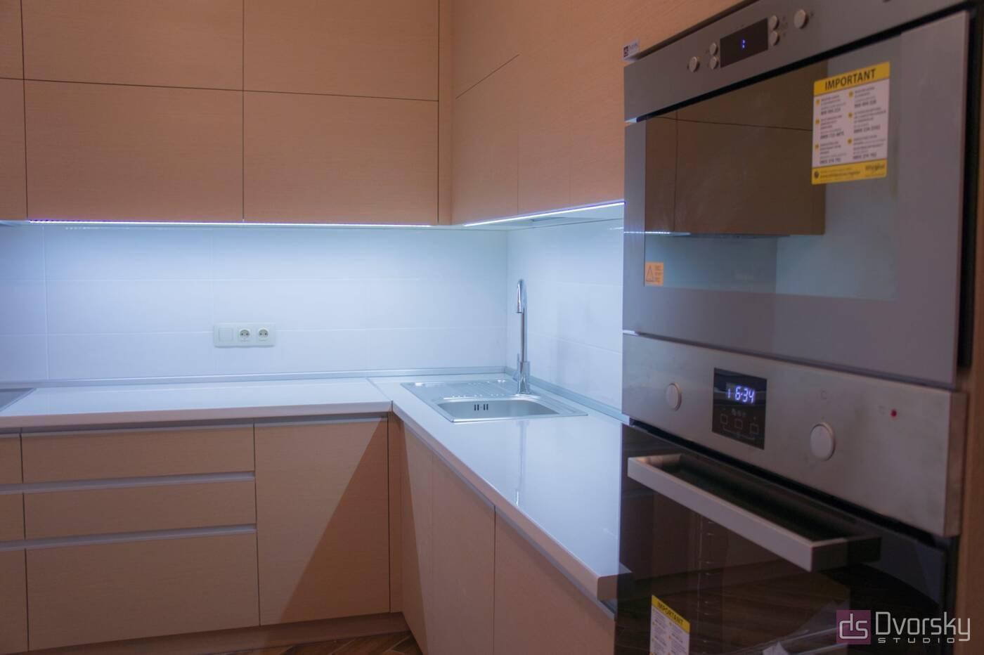 Угловые кухни Кухня рыжая - Фото № 1