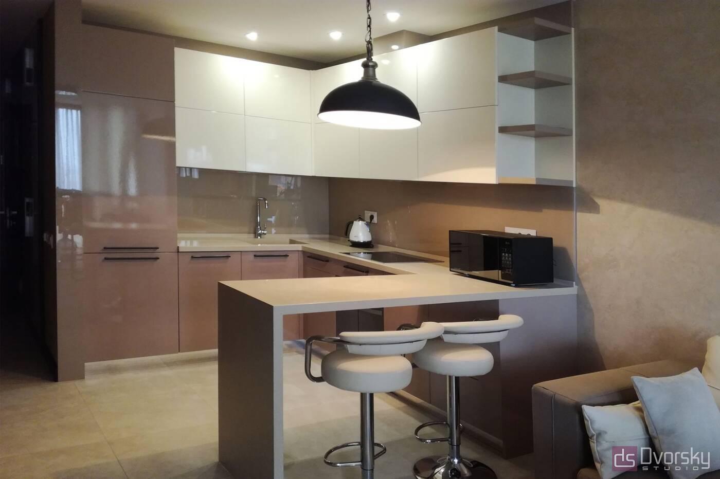 П - образні кухні Кухня в кавових тонах - Фото № 1