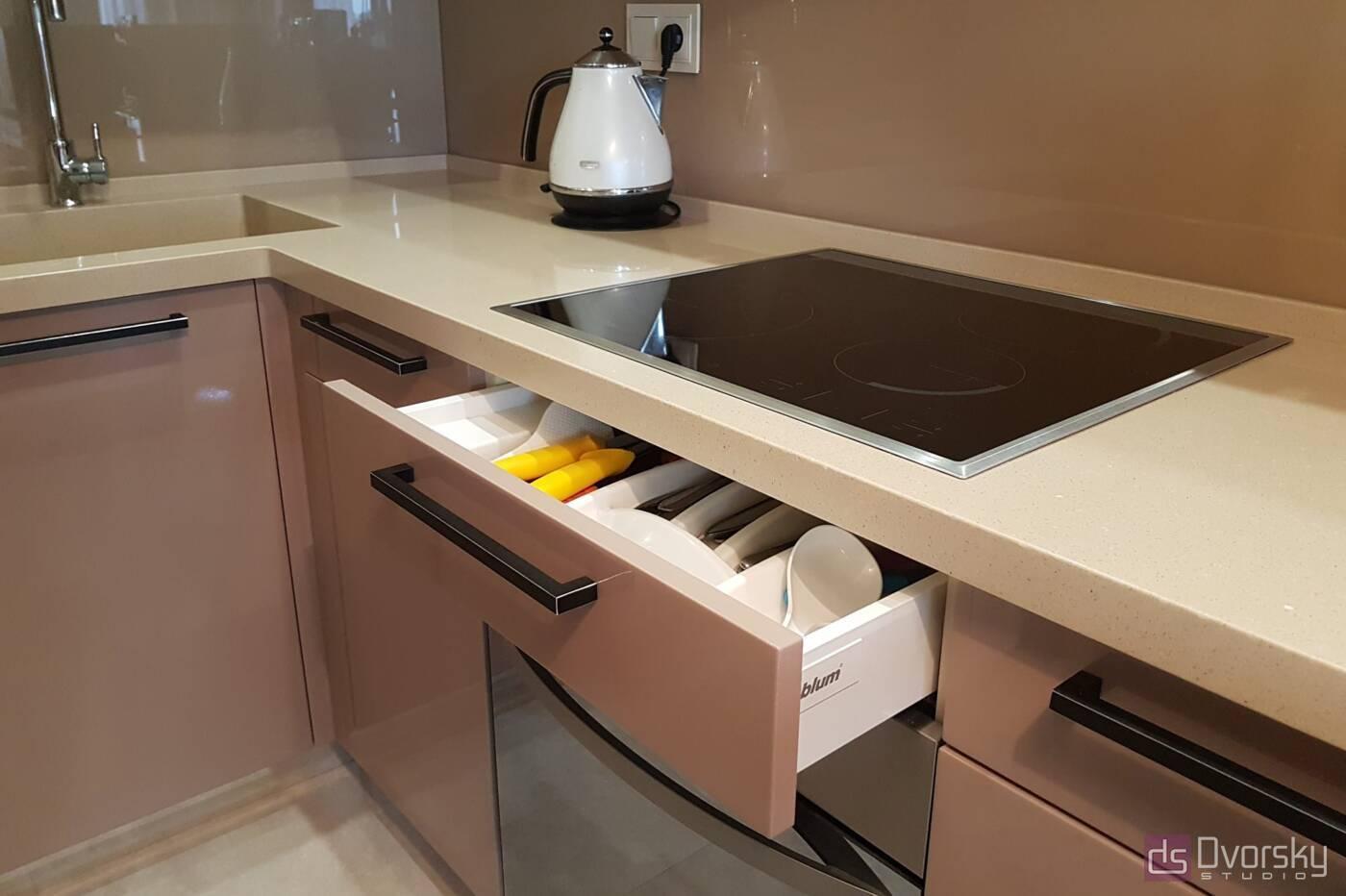 П - образные кухни Кухня в кофейных тонах - Фото № 3