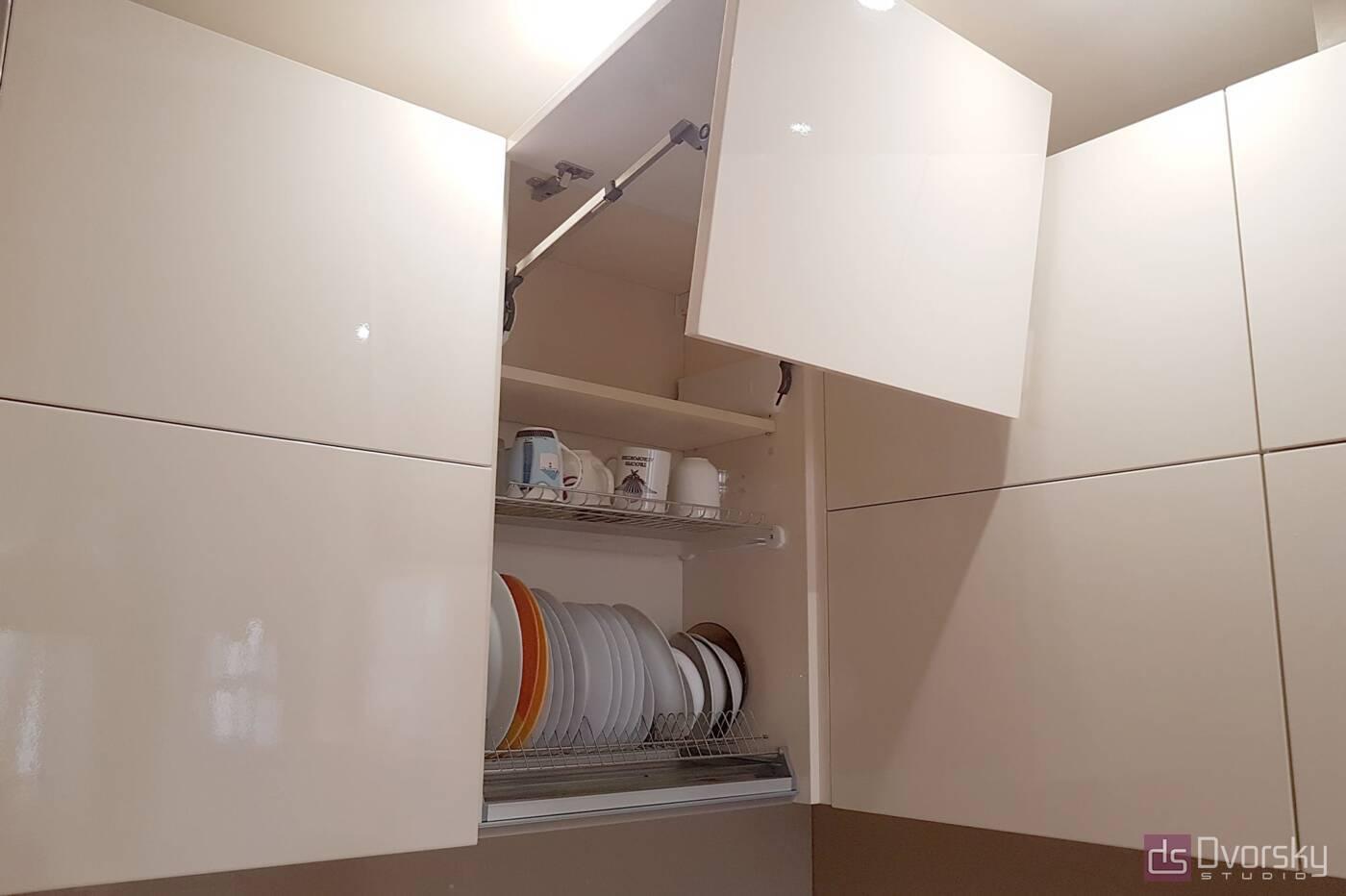 П - образні кухні Кухня в кавових тонах - Фото № 5