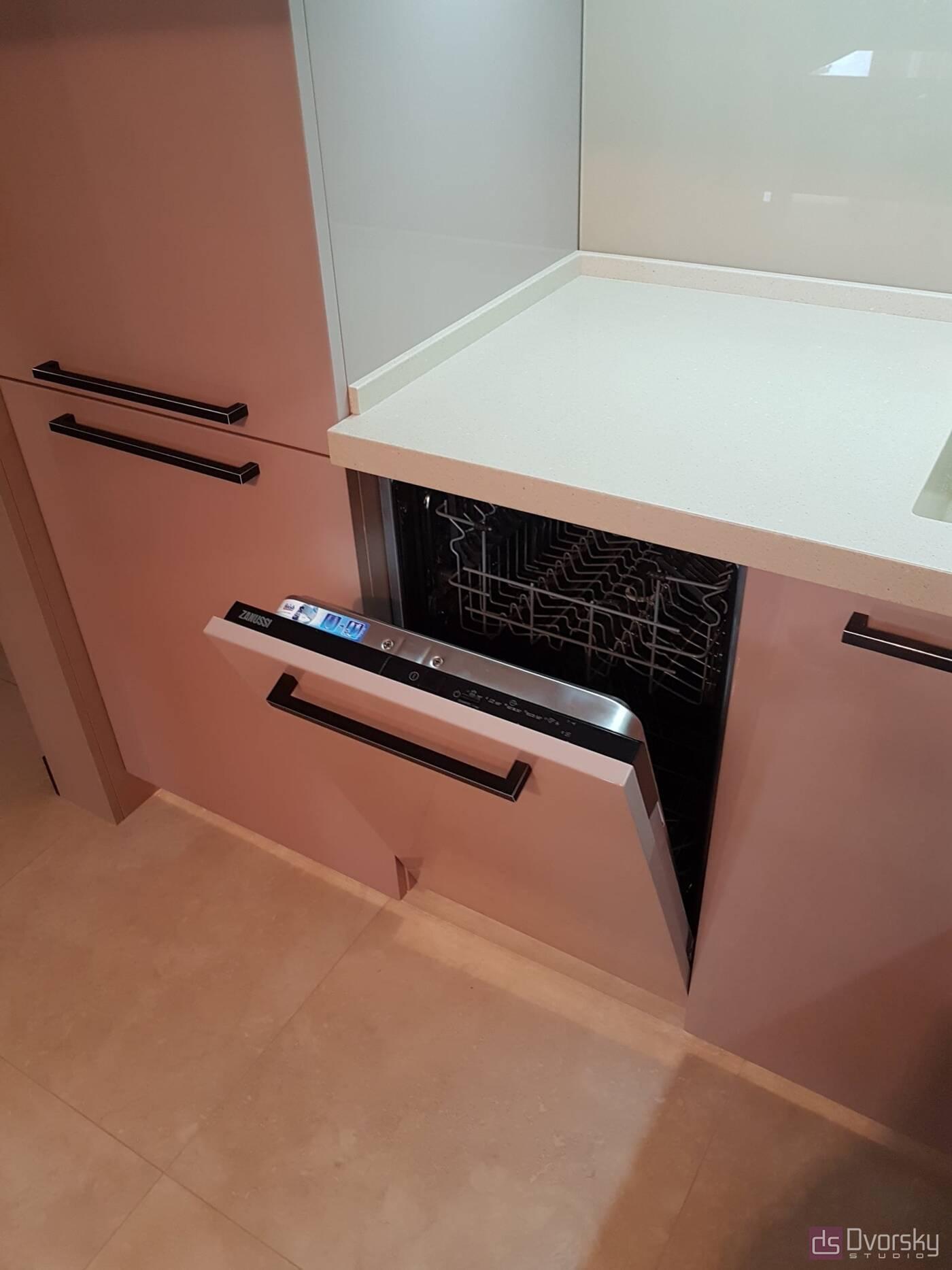 П - образні кухні Кухня в кавових тонах - Фото № 6