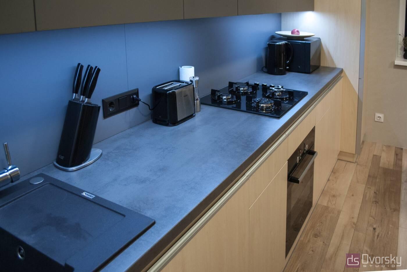 Прямі кухні Кухня з фарбованим фартухом - Фото № 4