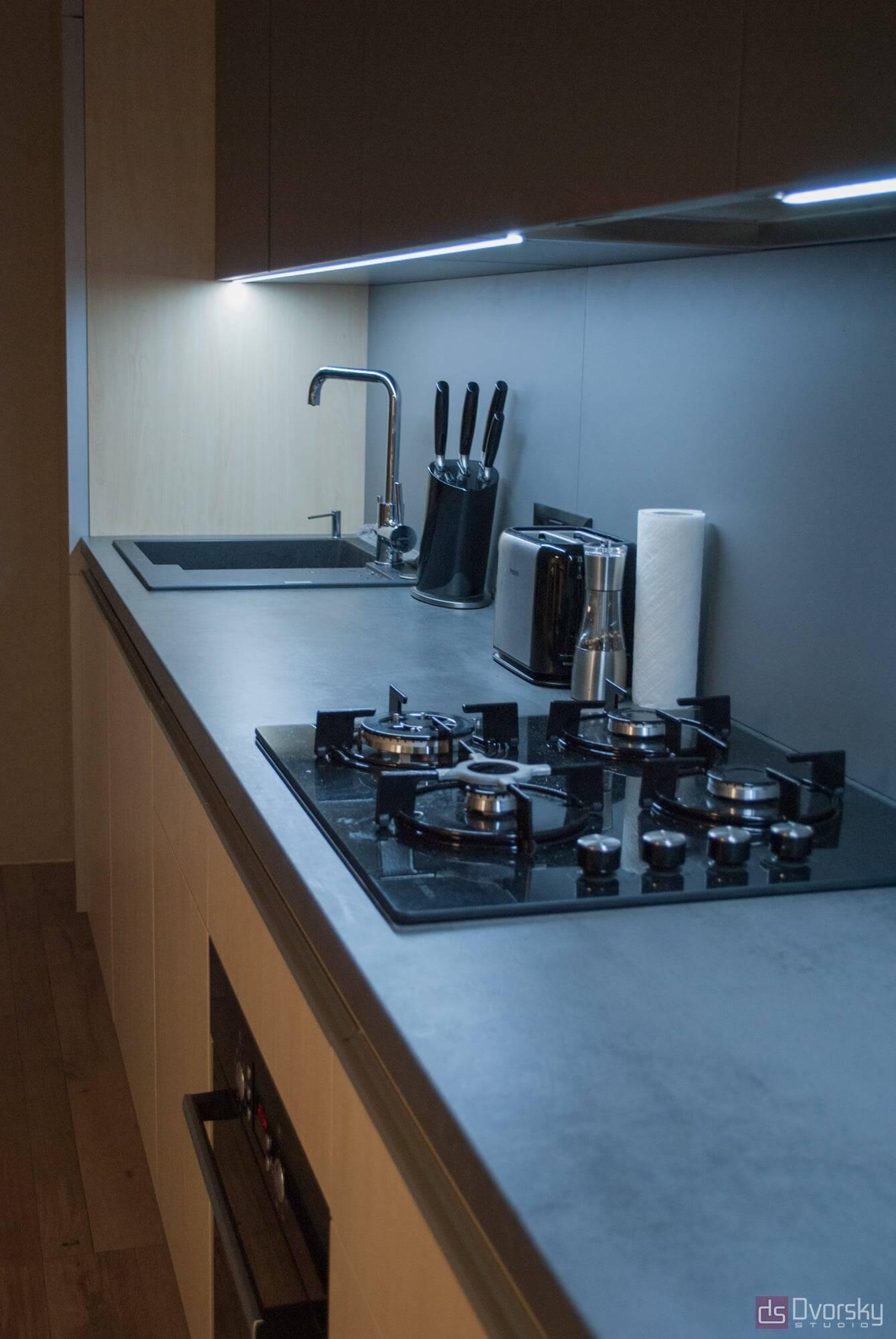 Прямі кухні Кухня з фарбованим фартухом - Фото № 6