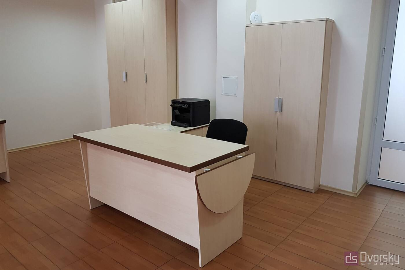 Офисная мебель Светлые офисные столы - Фото № 4