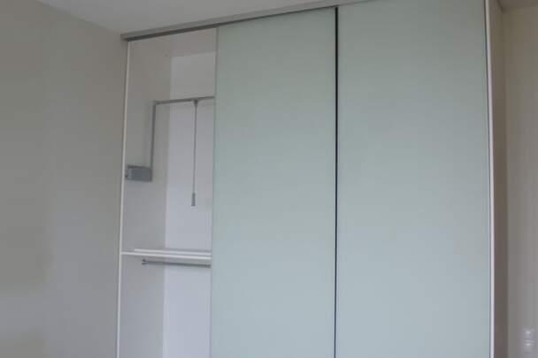 Фото раздвижных дверей с узким профилем