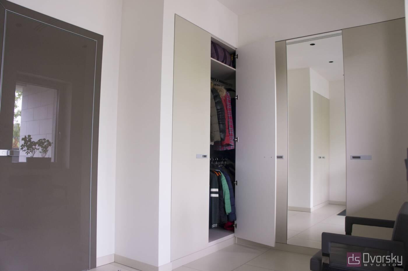Шкафы распашные Шкаф распашной с зеркалом - Фото № 2