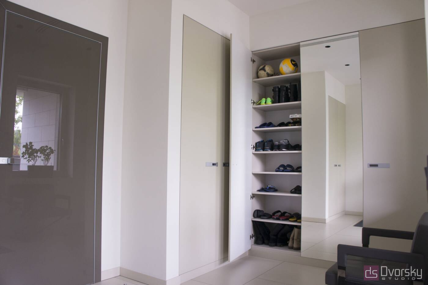 Шкафы распашные Шкаф распашной с зеркалом - Фото № 4
