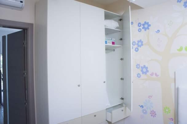 Фото распашного шкафа для спальни