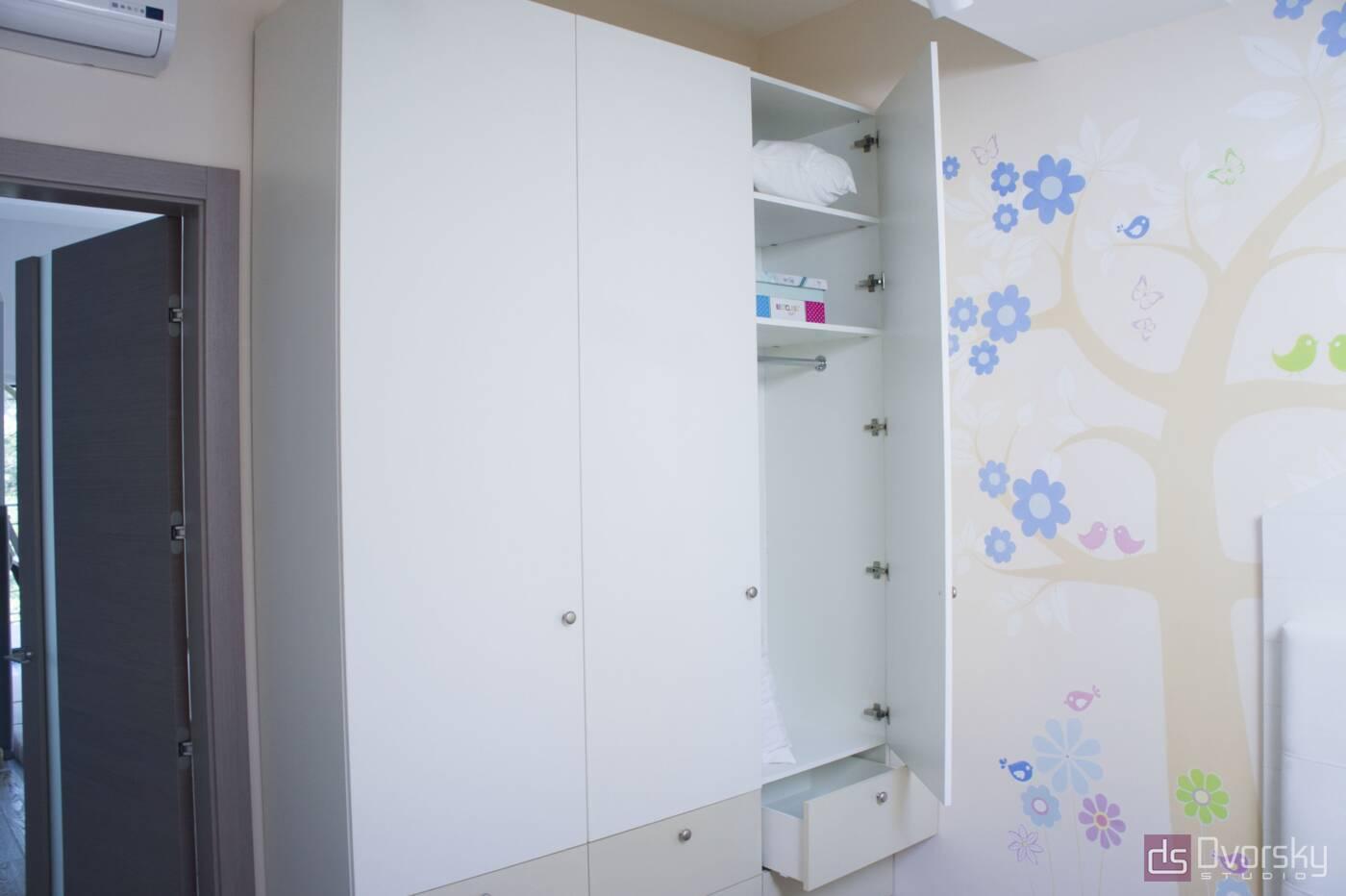 Шкафы распашные Шкаф распашной для спальни - Фото № 1
