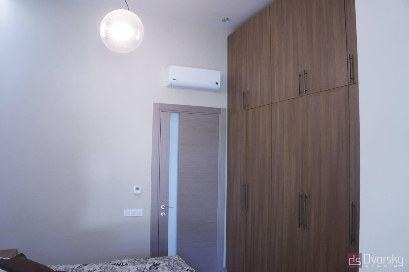 Шкафы распашные Коричневый распашной шкаф - Фото № 2