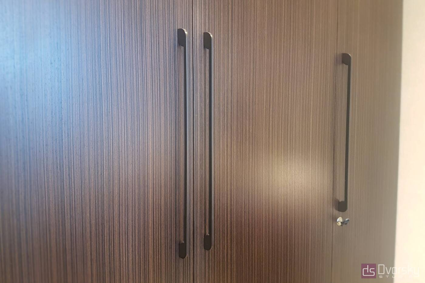 Шкафы распашные Шкаф распашной шпонированный - Фото № 2