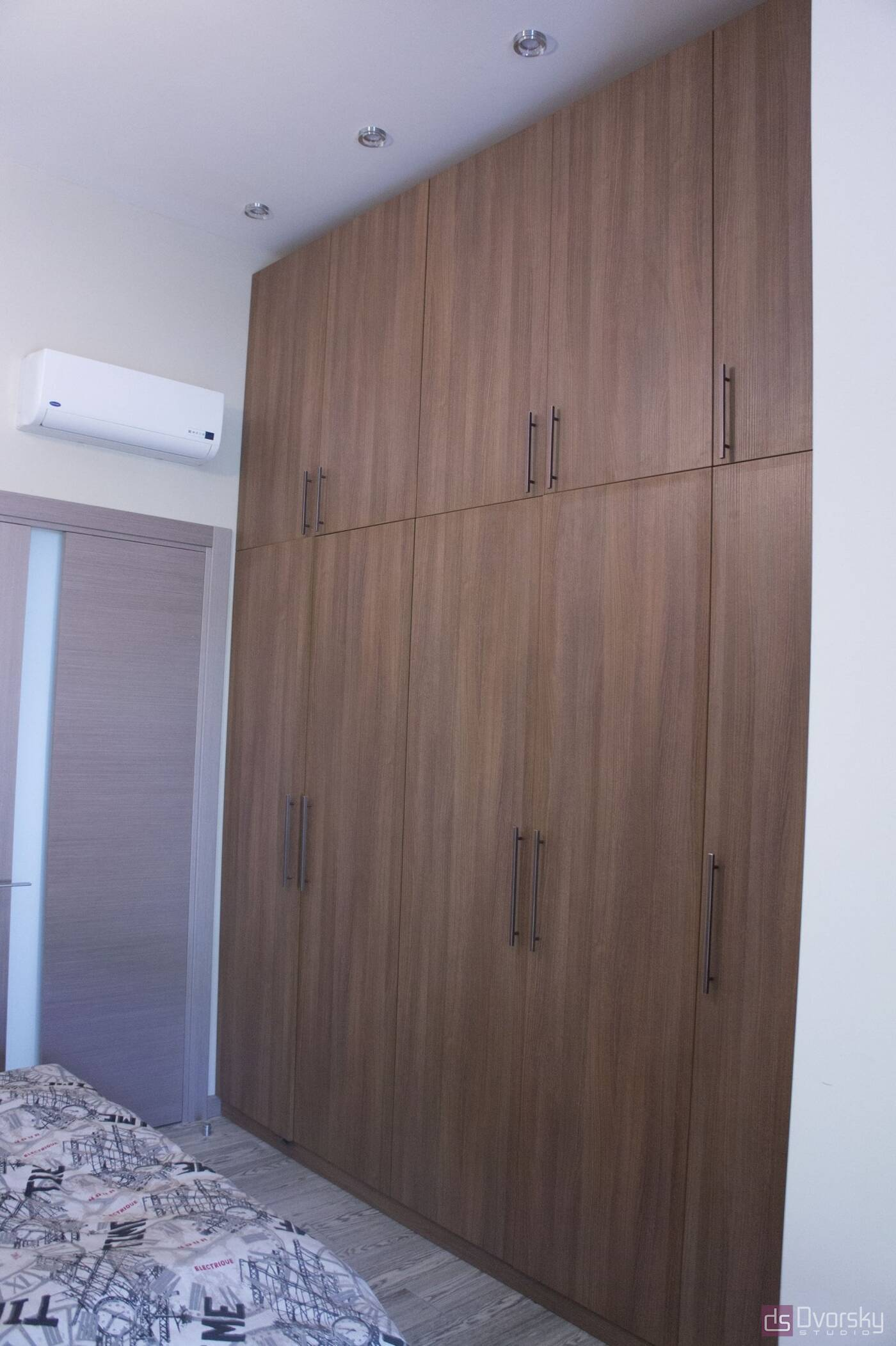 Спальні Спальня з вузьким ліжком - Фото № 6