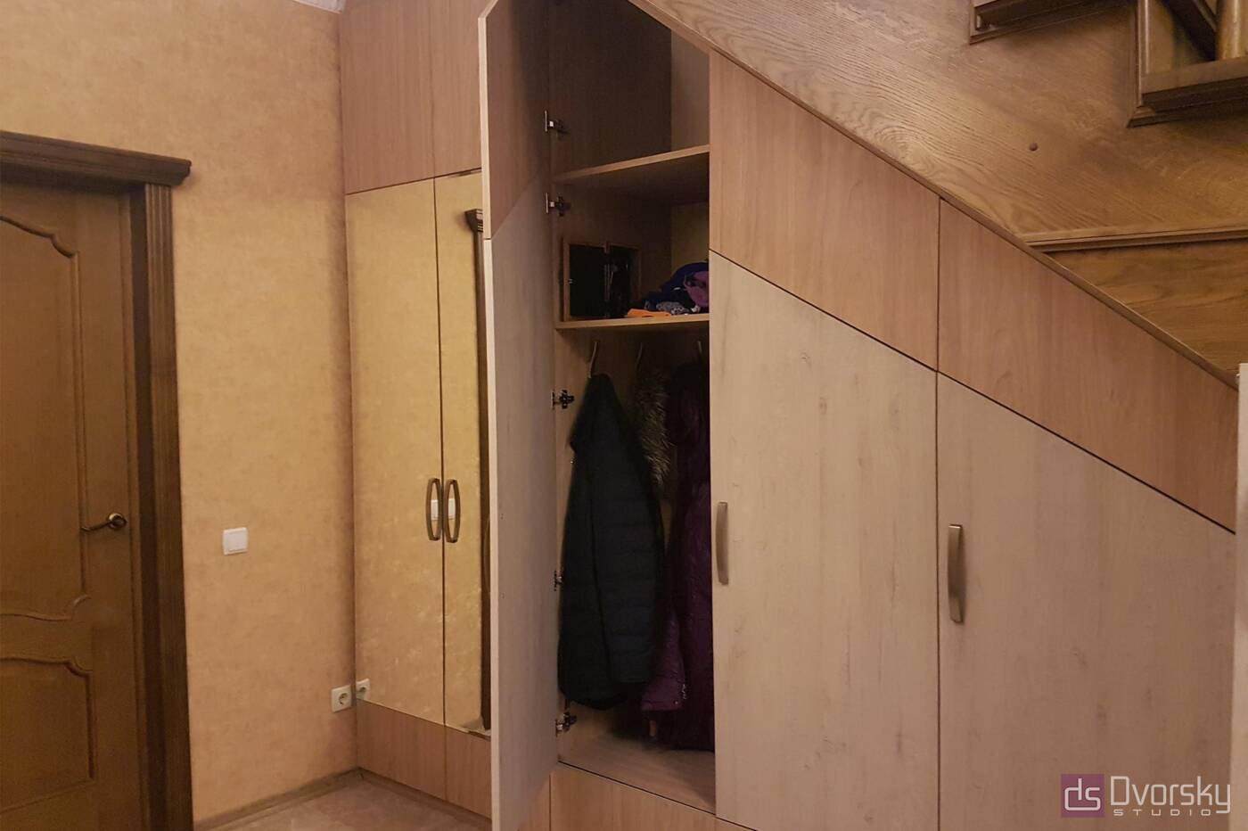 Мебельные стенки Мебельная стенка под лестницей - Фото № 2