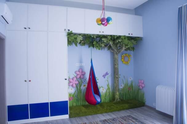 Меблева стінка - шафа в дитячу