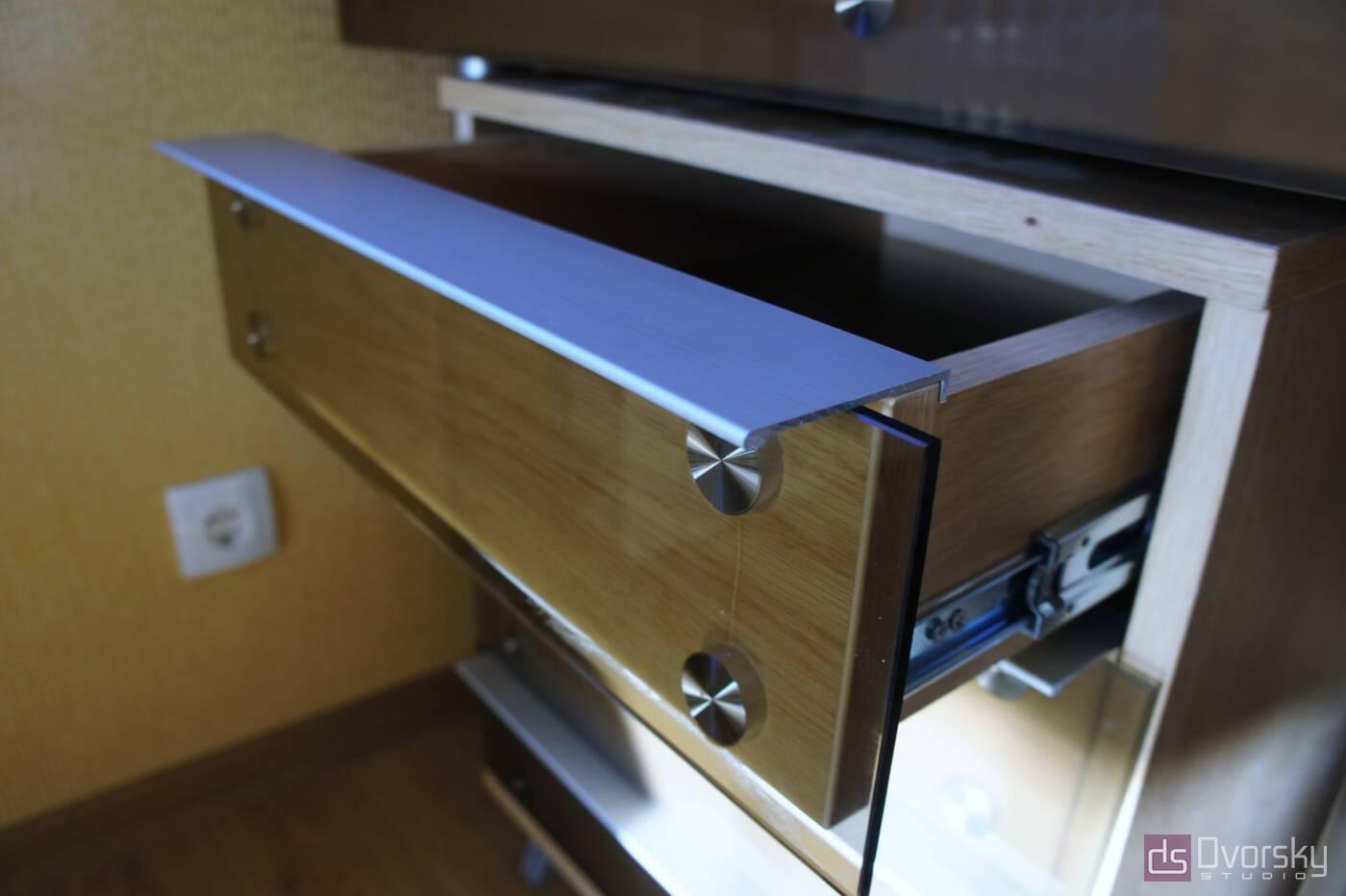 Разное Стол со стеклом в кабинет - Фото № 1