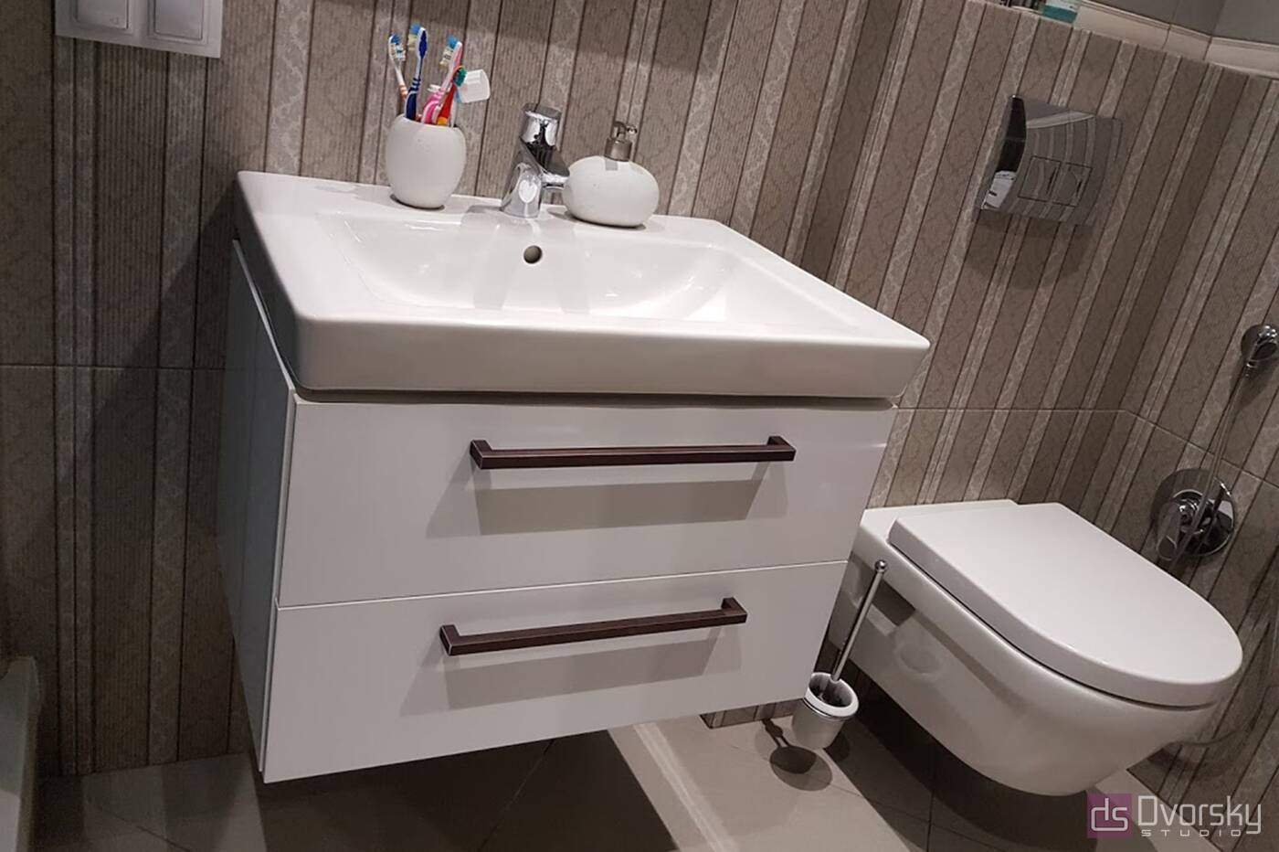 Меблі для ванної Тумба з білими фасадами для ванної - Фото № 2